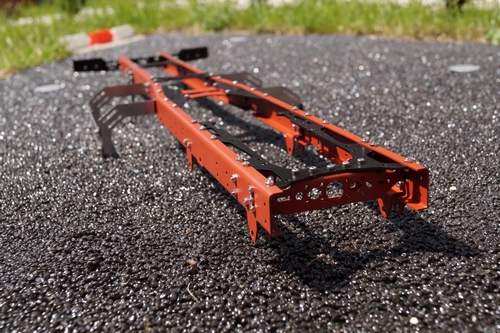 Stalen chassis 6x4 lang  1/14