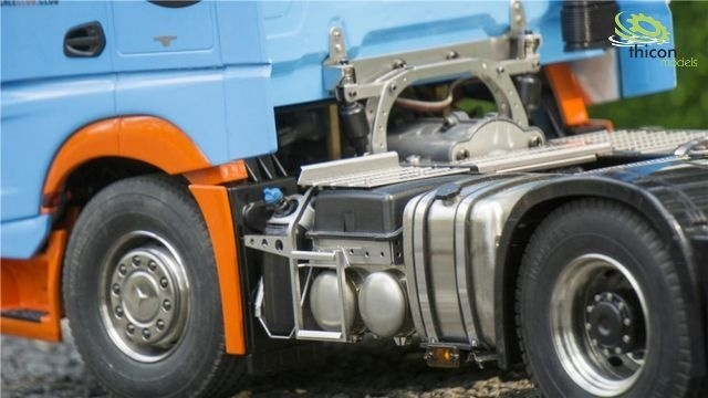 Smalle accubak gemaakt van V2A voor Tamiya-vrachtwagen
